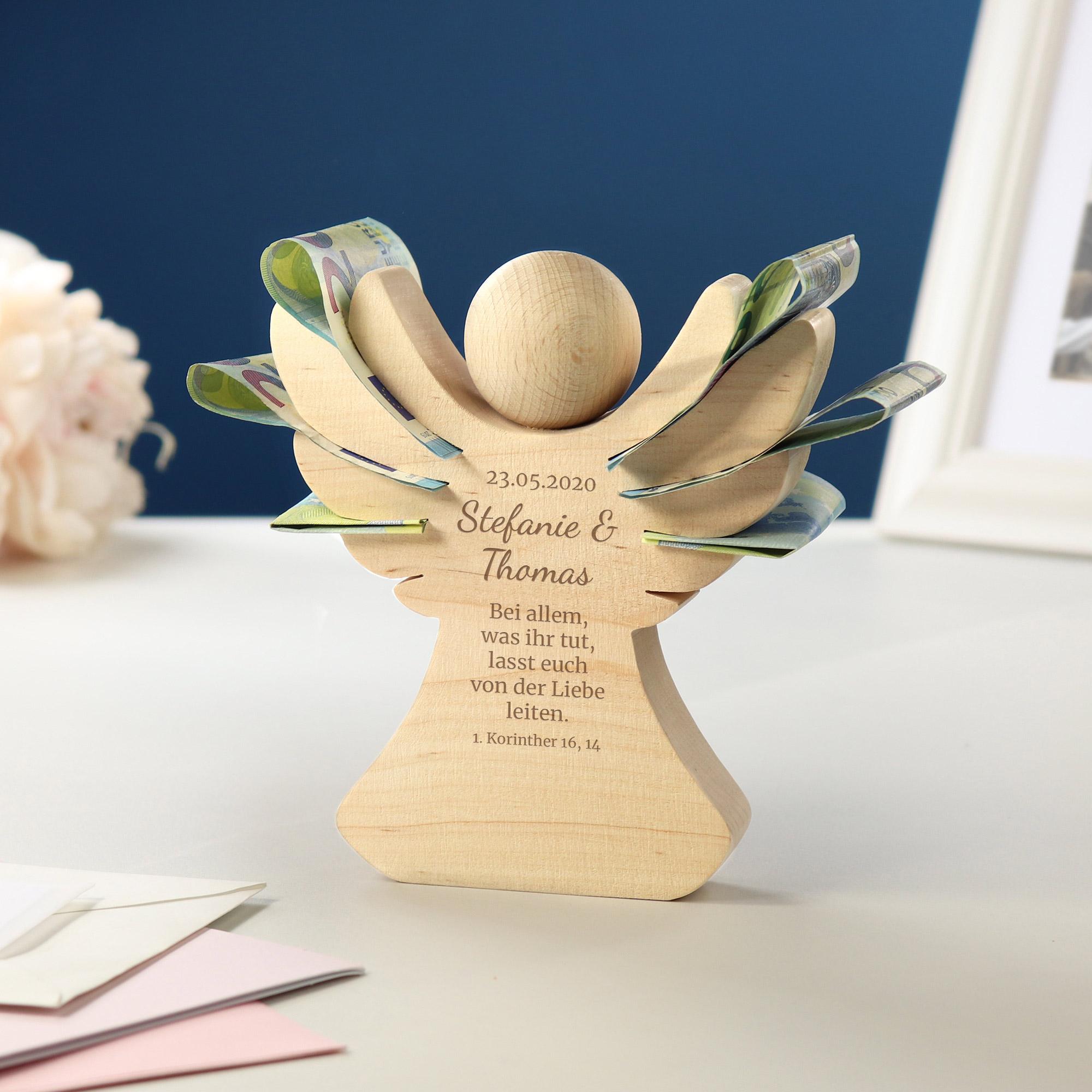 Engel aus Holz mit Gravur zur Hochzeit - Segen - Personalisiert