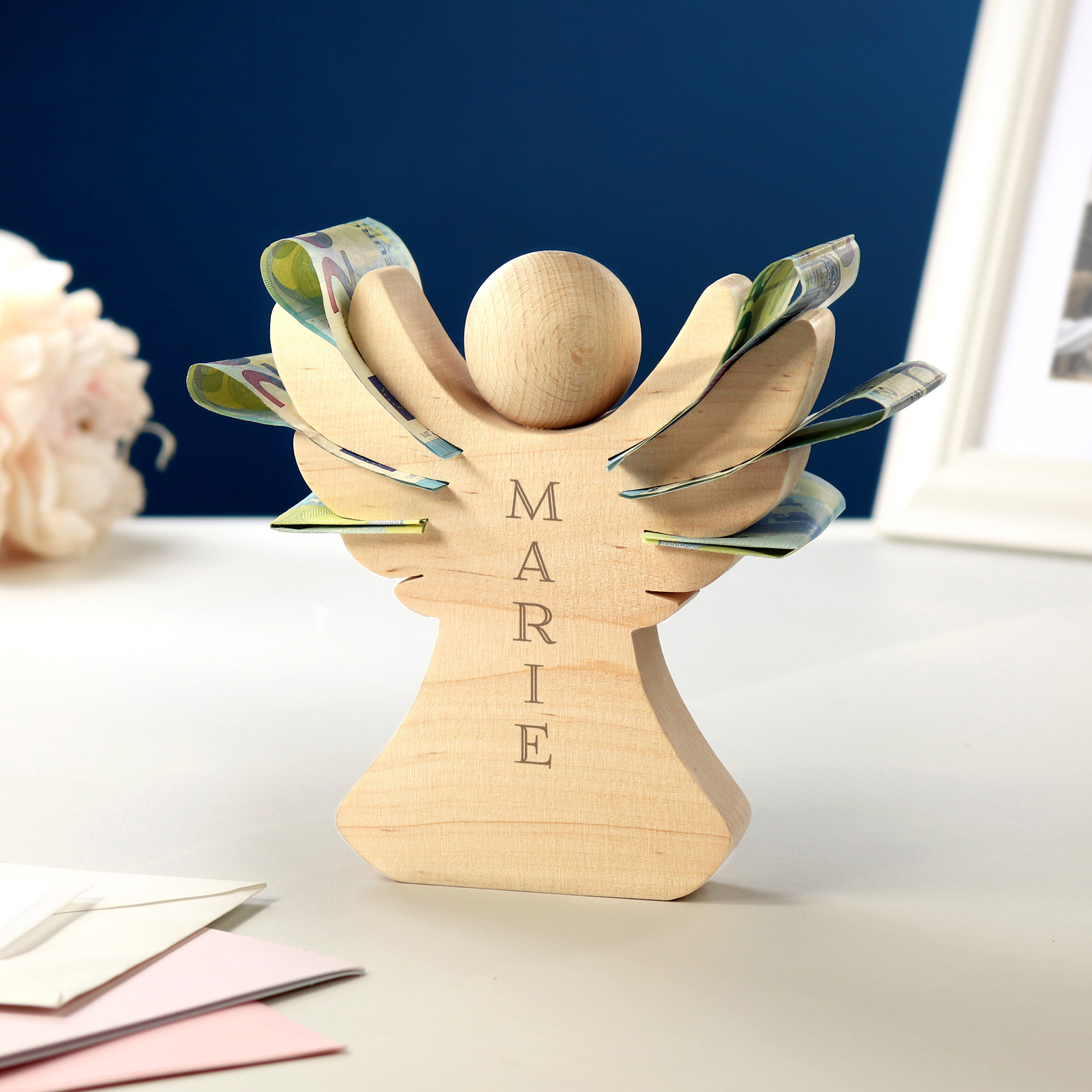 Engel aus Holz mit Gravur - Name - Personalisiert