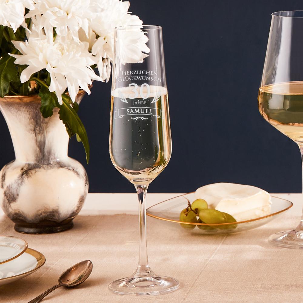 Sektglas zum 30. Geburtstag