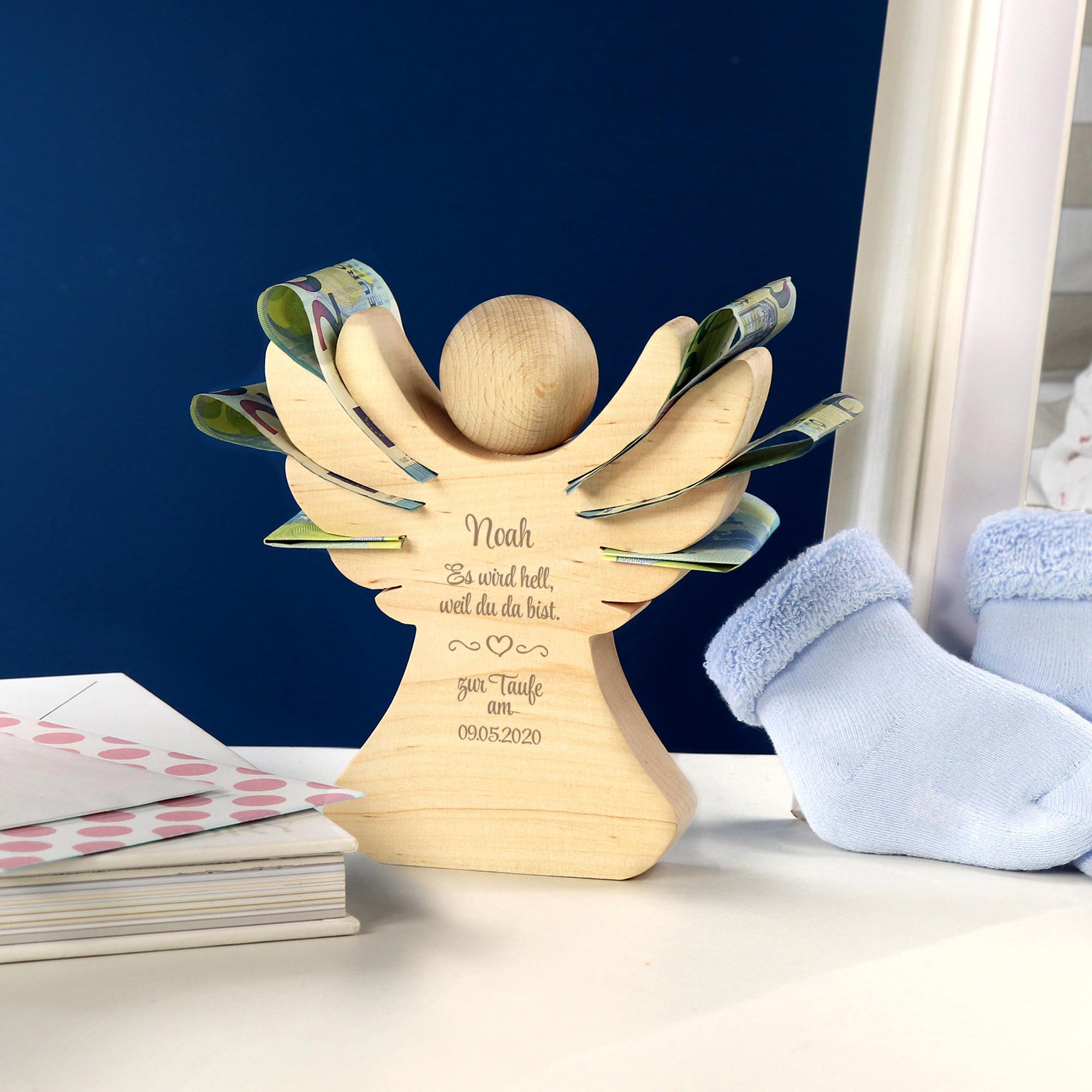 Engel aus Holz mit Gravur zur Taufe - Personalisiert