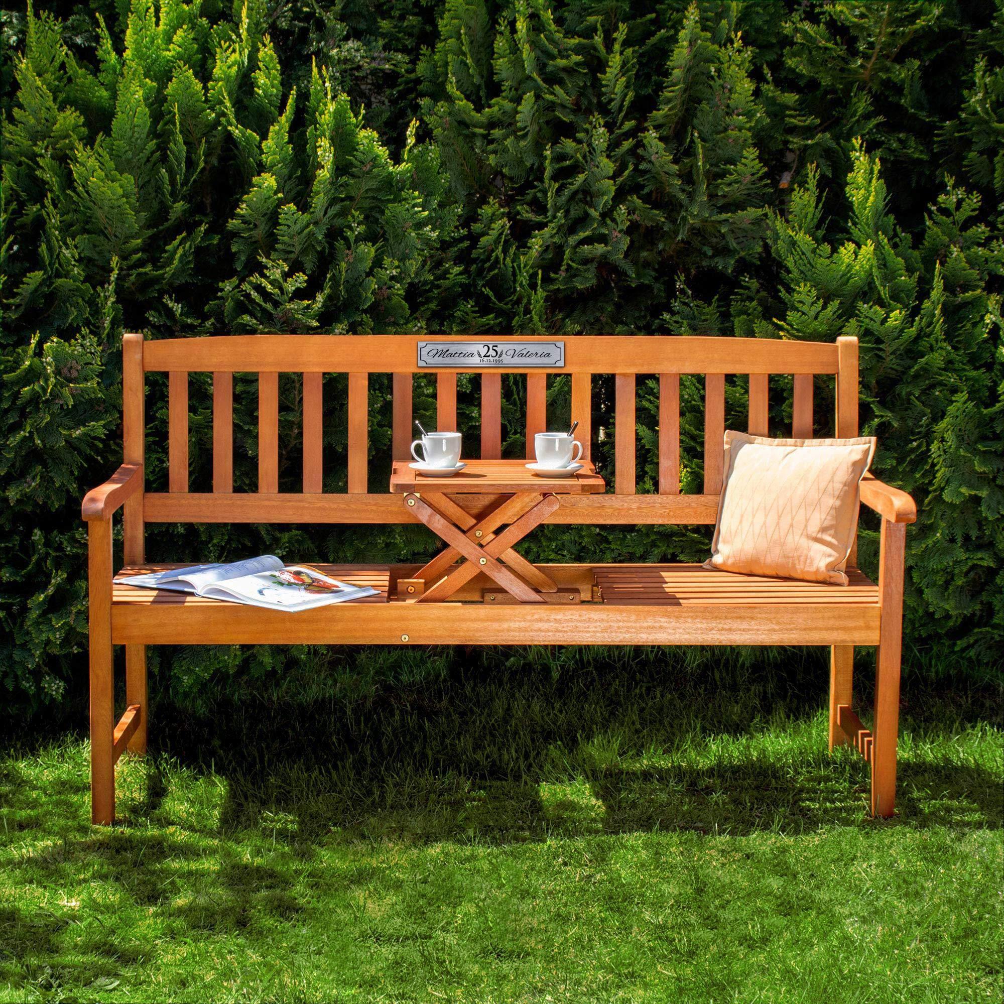 Gartenbank zur Silberhochzeit aus Holz mit personalisierter Plakette