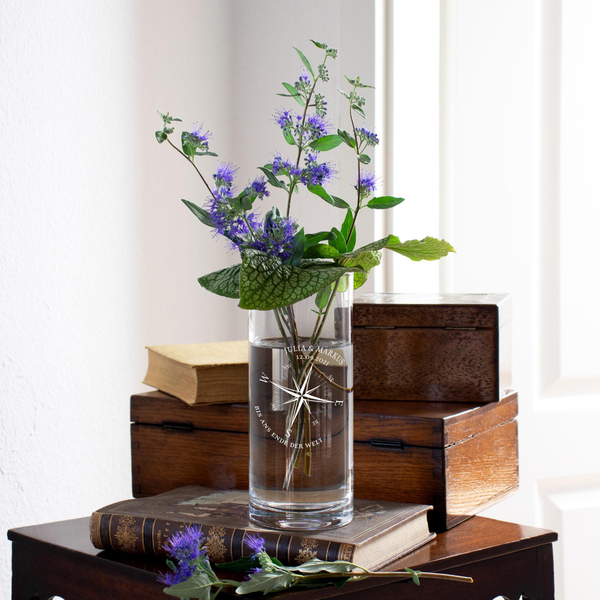 Runde Vase mit Gravur - Kompass Liebe