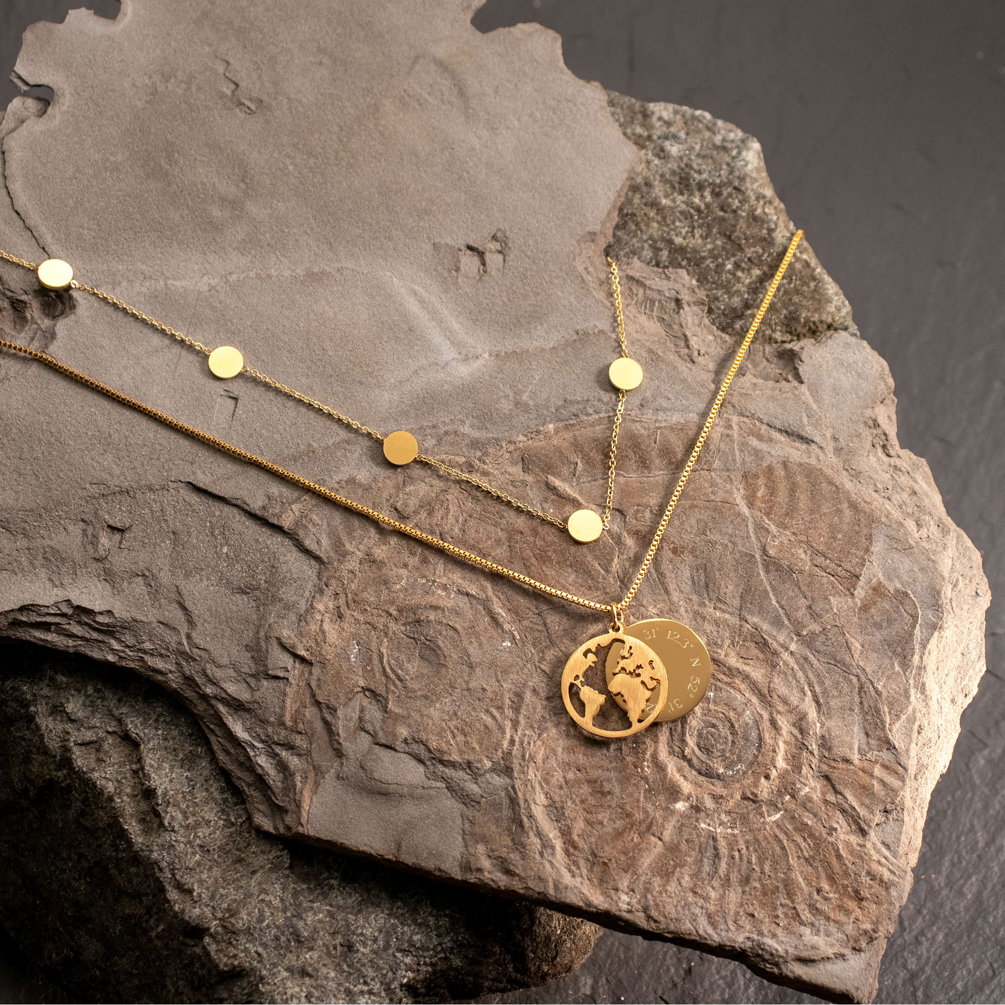 Schmuckset Gold mit Globus & Layering Kette - Koordinaten